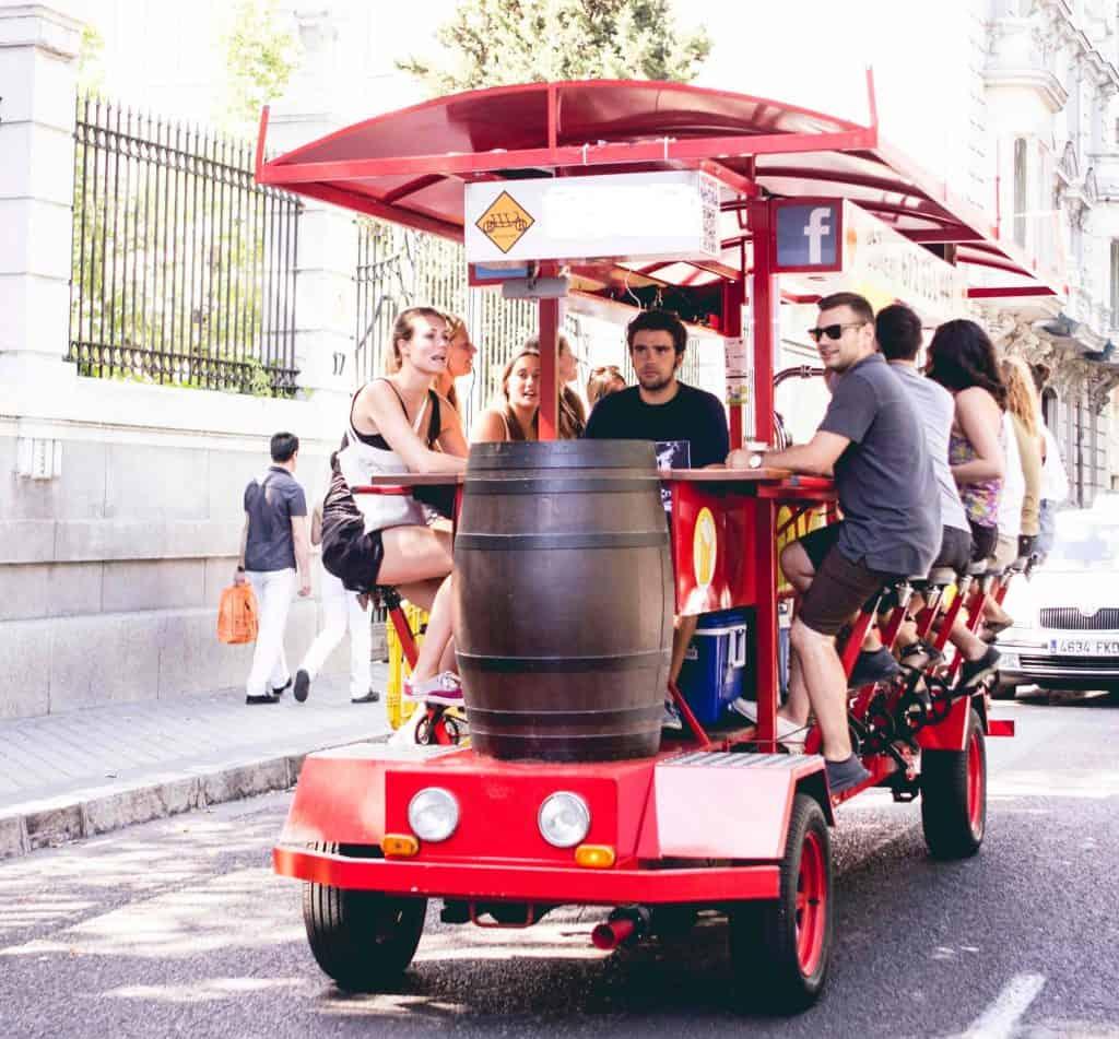 BIKE BEER - Las 6 Formas Más Originales de Recorrer Madrid en este Verano 2021