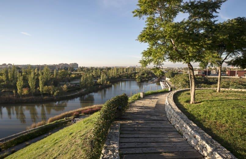 De Paseo por el Parque de Cabecera : Guía Turística Travelodge 2021