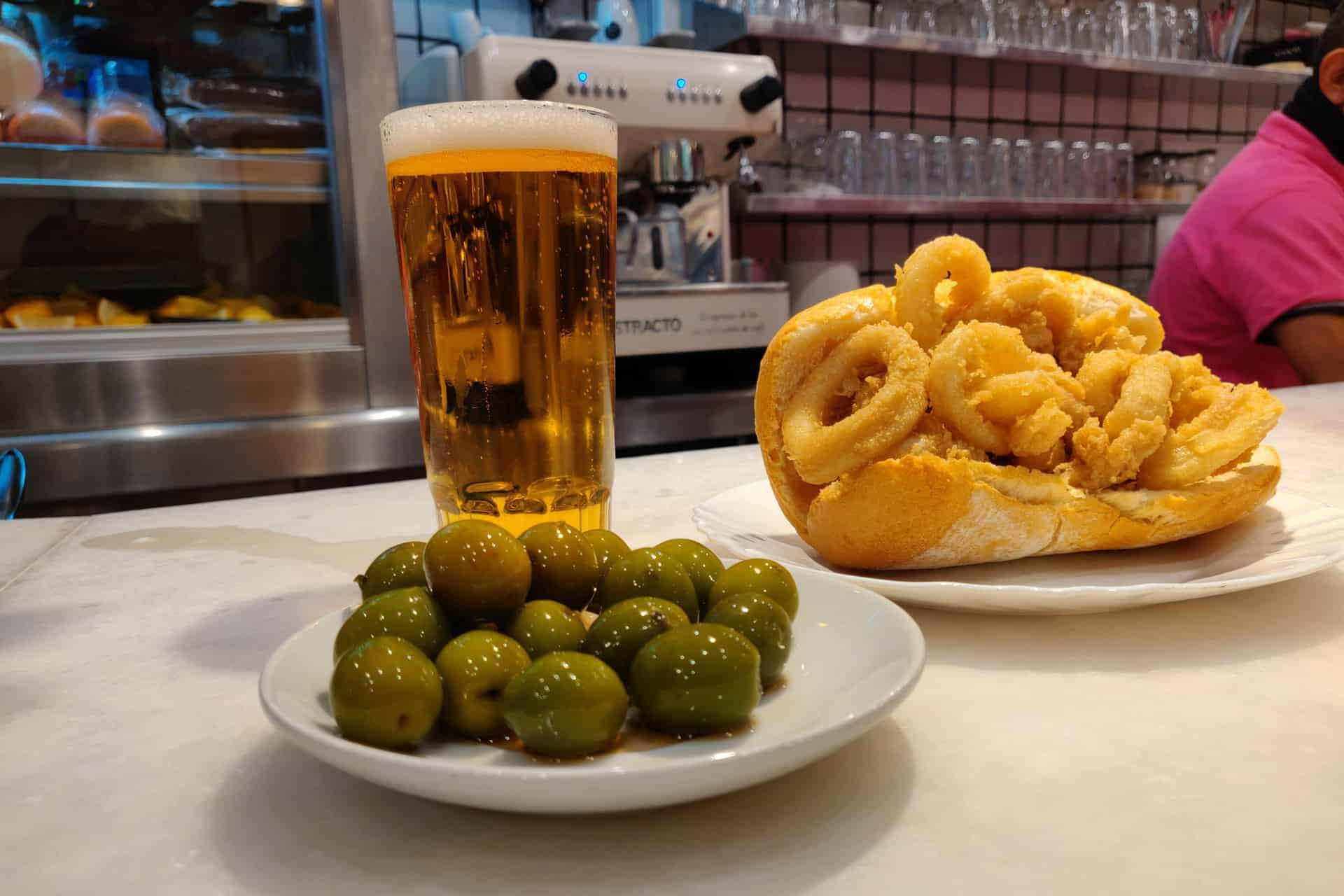 La Campana:Donde disfrutar de los mejores bocadillos de calamares de Madrid esta Semana Santa 2021.