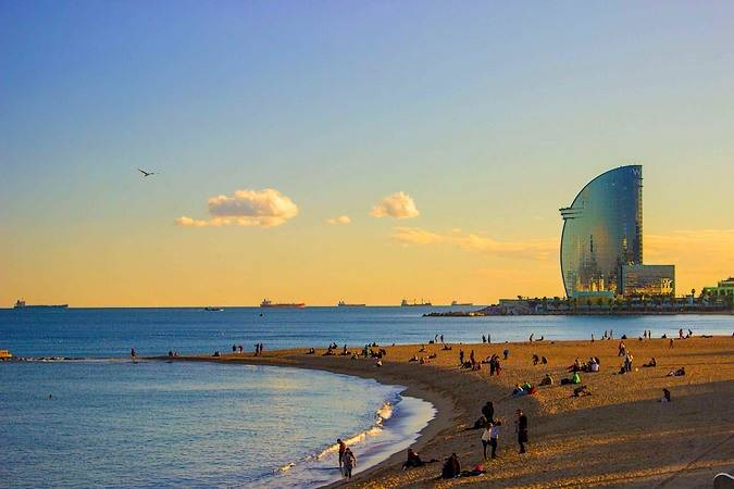 playa-barceloneta-barcelona-travelodge