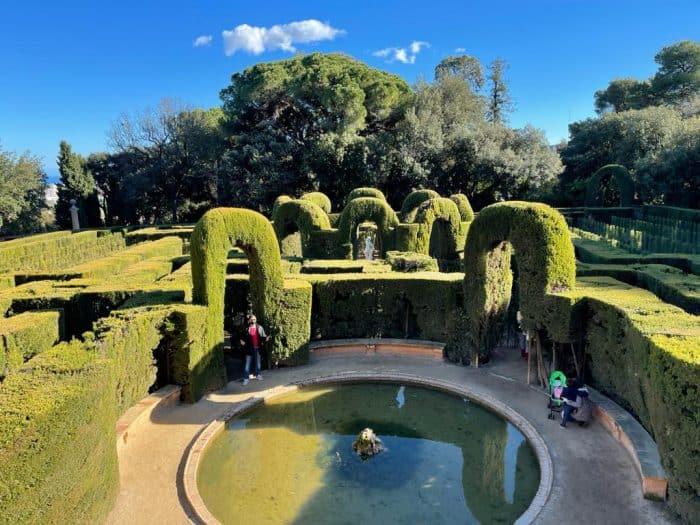 Paseo por el Parque del Laberinto de Horta