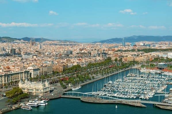 Paseo por la Barceloneta y el puerto de Barcelona